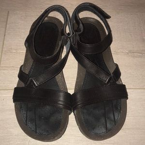 Reba leather sandal women's size 7 black and grey